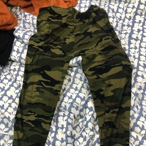 Pants - Camo leggins